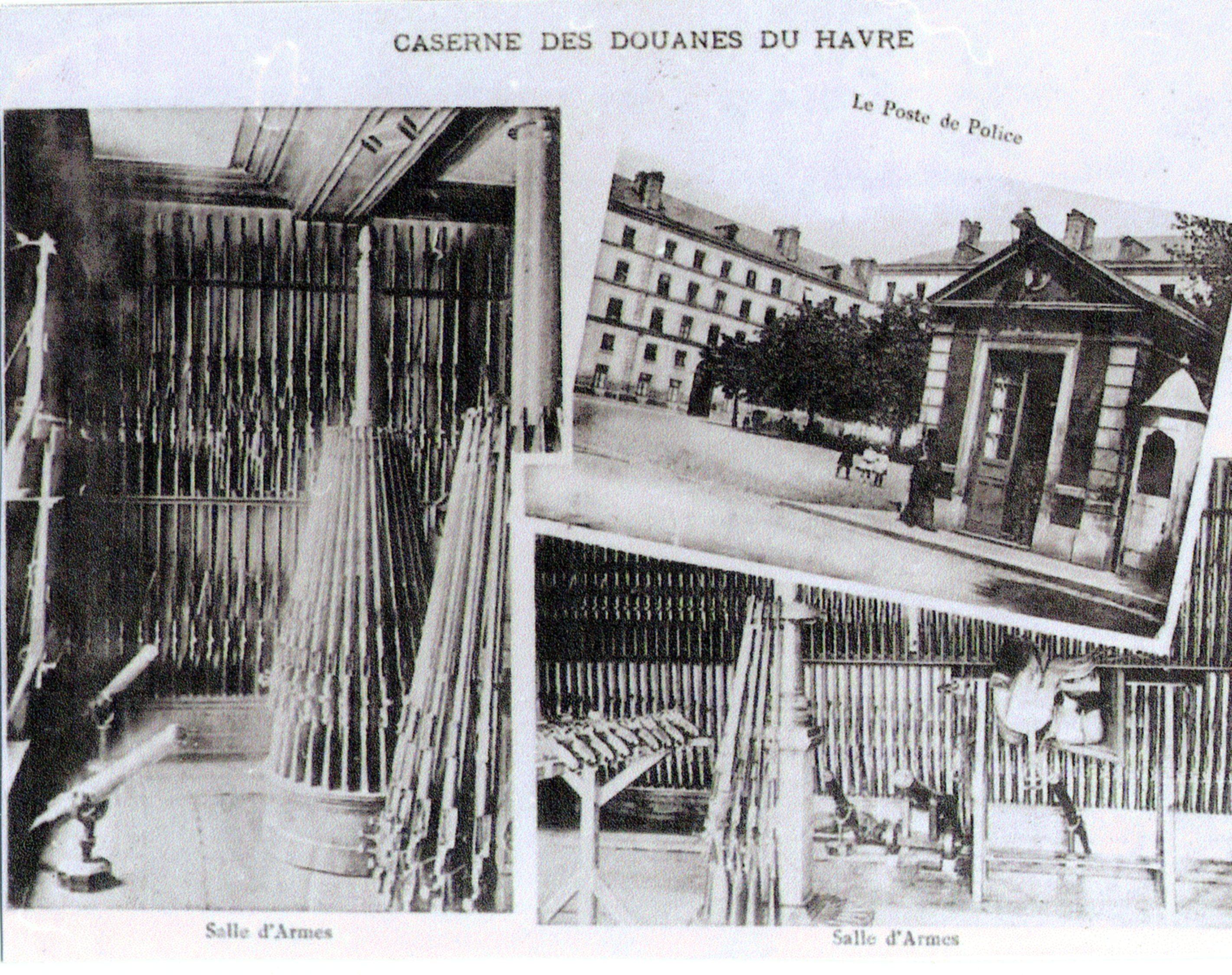 La salle d'armes. On y aperçoit les canons lance-amarres qui ornent l'entrée de l'actuelle direction des douanes.
